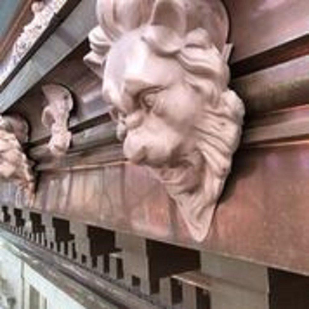 3 (lion head)